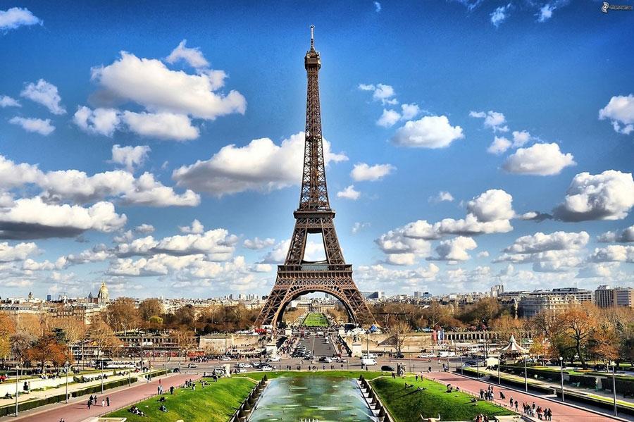 Eiffeltoren Parijs 2024